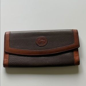 Vintage dooney bourke brown wallet Vtg